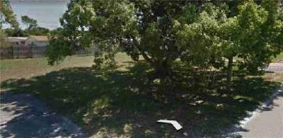 4635 Darlington Road Holiday, Reduced lot in mainly
