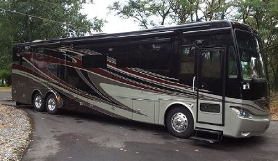 By Owner! 2014 42ft. Tiffin Phaeton w/4 slides