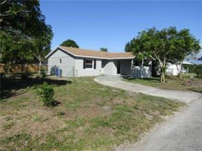 BEAUTIFUL 3 BED 2 BATH HOME THAT HAS A COMPLETE REMODEL.