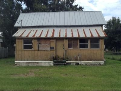 3 Bed 2 Bath Foreclosure Property in Auburndale, FL 33823 - Pine St