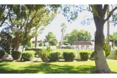 Great ground floor 1 bedroom condominium in Mission Lakes Country Club.