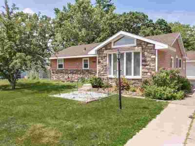11040 Foley Boulevard NW COON RAPIDS, Conveniently located 4
