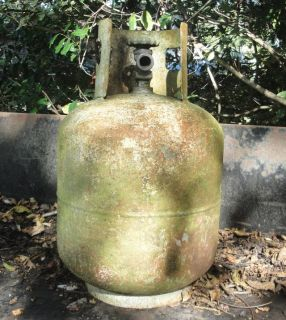 Propane Tank for Yard Art or make a BBQ Grill, Rusted, Cannot be filled, for repurpose