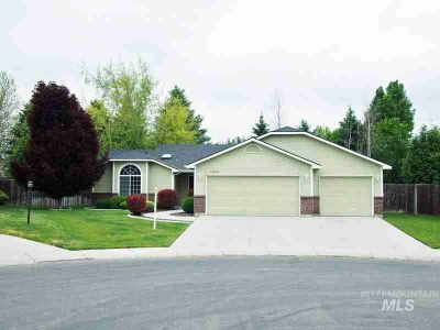 5579 N Rosepoint Way Boise Three BR, Here???s a home you???ll