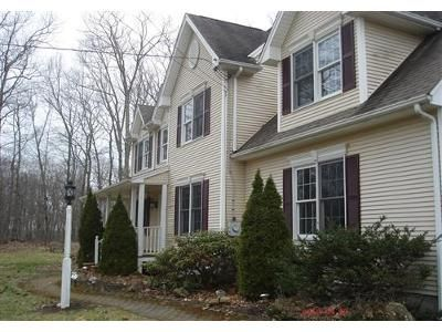 4 Bed 2.1 Bath Foreclosure Property in Tolland, CT 06084 - Hickory Ct