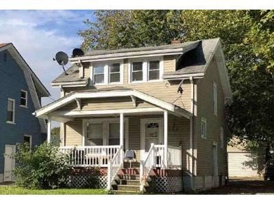 2 Bed 1.0 Bath Preforeclosure Property in Akron, OH 44301 - Brown St
