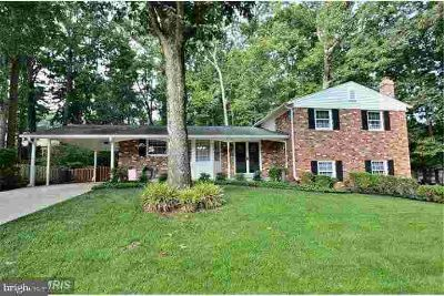 6722 Houndmaster Rd SPRINGFIELD Four BR, 4 level split with