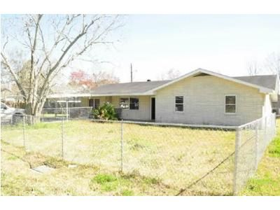 3 Bed 2 Bath Foreclosure Property in Raceland, LA 70394 - Saint Ann St