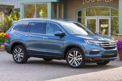 2017 Honda Pilot 4WD (All Colors Available)