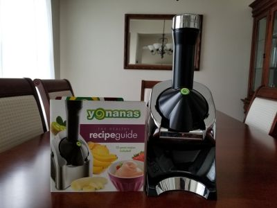 Yonanas frozen treat/ice cream/yogurt maker