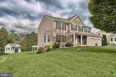 27 Sweetbriar Ln Lebanon Four BR, Wonderful two story in