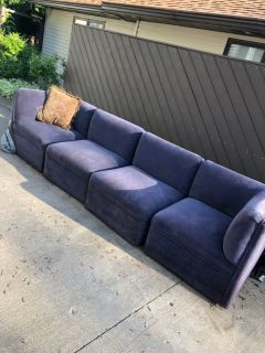 Gorgeous sectional couch $30 today only!!!
