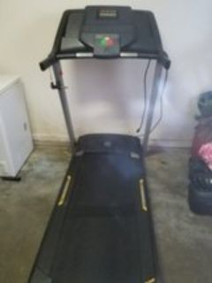 Golds Gym trainer 420 treadmill