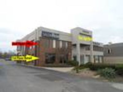 West Bloomfield, 1,633 SF First Floor Retail / Office Space