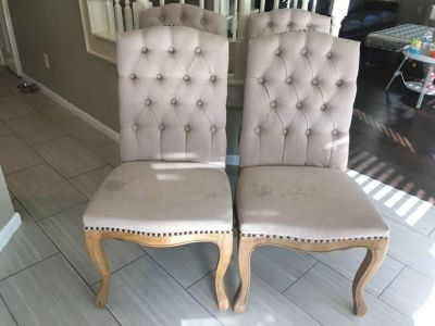 4 dining chairs (PPU)