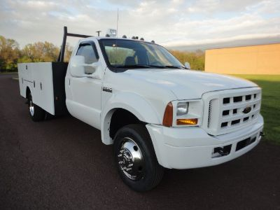 2006 Ford Super Duty F-550 DRW XL