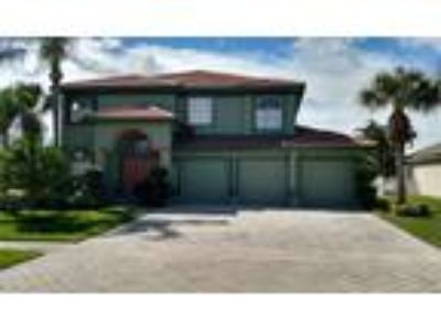 Five BR Waterfront Pool Home in Grand Isles!