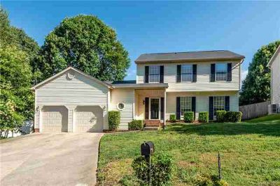 7146 Bluff Wood Cove CHARLOTTE, Come see this spacious 3