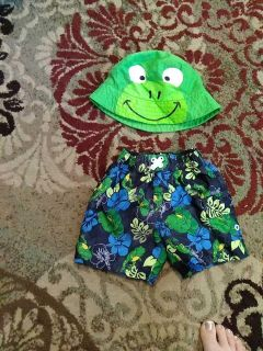 Swimming shorts and hat