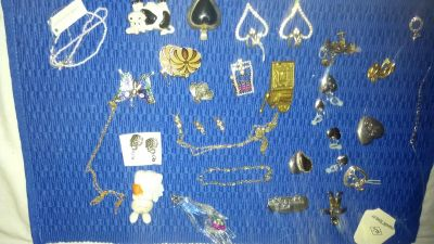 Jewelry or crafter lot.