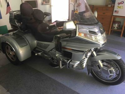 1999 Honda Goldwing Trike w/Matching Trailer Show Winner!