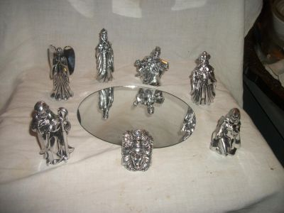 7 piece SET OF CHROME NATIVITY PIECES with mirror plate oval