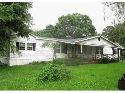 3 Bed 2 Bath Foreclosure Property in Orange, TX 77630 - Newton St