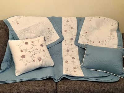 Queen quilted bed ensemble