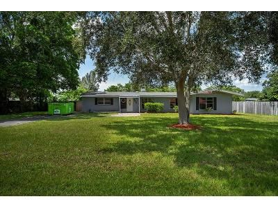 2 Bed 1 Bath Foreclosure Property in Bradenton, FL 34207 - 27th St W