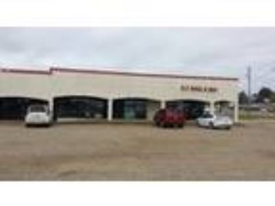 Shopping Center for Sale: Fountain Plaza
