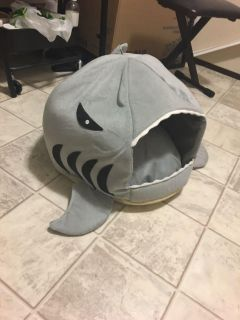 Adorable Large Cat Bed