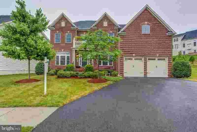 2209 Kerrydale CT CLARKSBURG Four BR, Stately brick front