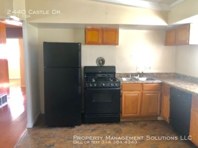 Spacious 3 Bdrm Single Family Home Available for move in!