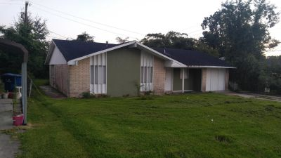 **FOR RENT 3BR 1.5BA**
