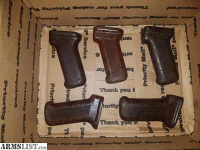 For Sale: 5 AK bakelite grips, BFPU