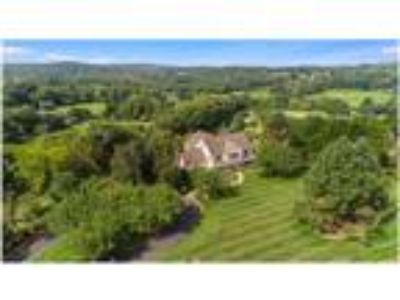 Country estate with resort amenities!
