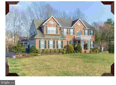 3545 Loyola CT Dunkirk Four BR, Immaculate brick front colonial