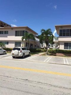 --- Beautiful Spacious Condo in Bay Harbor Islands ---