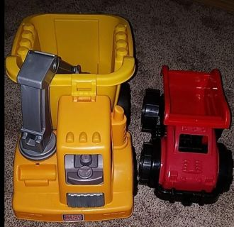 Mega blocks truck with extra red truck