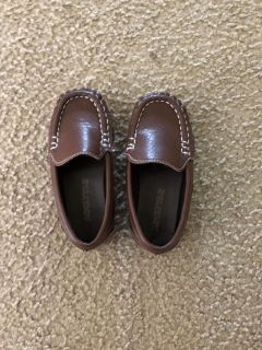 Size 8 toddler boy shoes