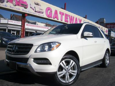 2013 Mercedes-Benz M-Class ML350 4MATIC (Arctic White)