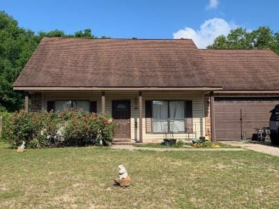 3 Bed 2.5 Bath Foreclosure Property in Fort Walton Beach, FL 32548 - Poulton Dr NW