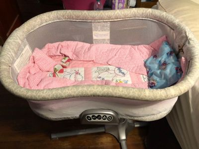 Halo Swivel Bassinet