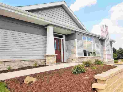 414 Grandview Dr Waunakee Three BR, New construction-complete May