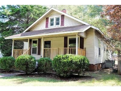 2 Bed 1 Bath Foreclosure Property in Decatur, AL 35601 - 9th St SE