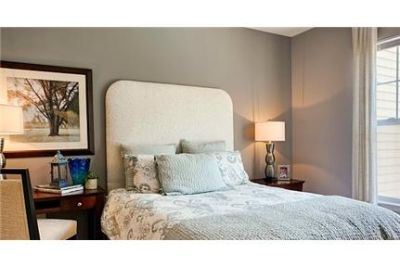 3 bedrooms Apartment - A mid-rise and garden-style community with the finest amenities.