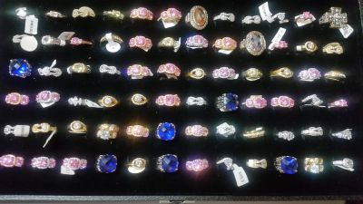 New Fashion Rings (lot of 5)