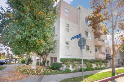 For Sale: 2 Bed 2 Bath condo in North Hollywood for $512,000