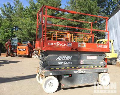 2015 Skyjack SJIII 3226 Electric Scissor Lift