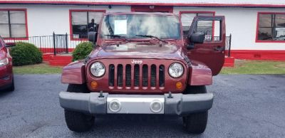 2008 Jeep Wrangler Unlimited Sahara (Maroon Or Burgundy)